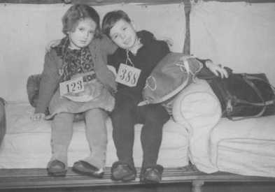 Jewish refugee children from Germany, upon arrival in Harwich. Great Britain, December 12, 1938. Source: Institute of Contemporary History and Wiener Library Limited